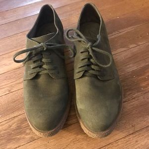 Clarks forest green suede flats
